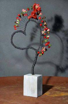 ~ ღ Skuwandi Floral Wall, Art Floral, Floral Design, Saint Valentine, Valentines Diy, Ikebana, Flower Crafts, Flower Art, Ideas Geniales