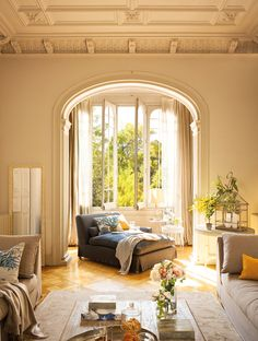 Barcelona Apartment - Sunny living room with arched windows and french doors Home Interior, Interior Architecture, Interior And Exterior, Interior Decorating, Decorating Ideas, Gothic Architecture, Ancient Architecture, Beautiful Architecture, Plafond Design