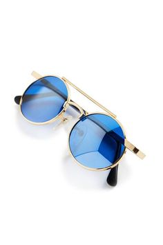 6004fb31cc These Vintage-Inspired Sunglasses Are About to Be Everywhere