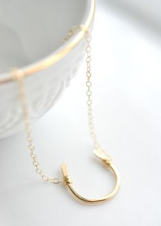 14k Goldfilled Hammered Horseshoe Necklace - minimalist everyday horseshoe necklace. Perfect for busy moms. Pin and save for mothers day gift!