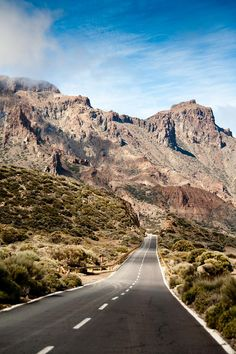 Mount Teide,  a volcano on Tenerife in the Canary Islands, Spain | Fantasy Road Trip | Road Trip | Road | Road photo | on the road | the open road | drive | travel | wanderlust | landscape photography | Schomp MINI