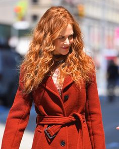 Nicole Kidman With Red, Curly Hair in 2019 Ginger Hair Color, Red Hair Color, 90s Hairstyles, My Hairstyle, Popsugar, Curly Hair Styles, Natural Hair Styles, Curly Red Hair, Red Hair Day