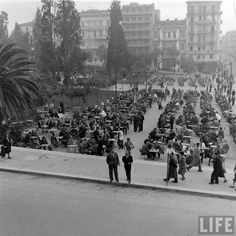 Sintagma square Greece-Date taken:January 1948 Photographer:Dmitri Kessel, tours Greece Pictures, Old Pictures, Old Photos, Athens Hotel, Athens Greece, Greece History, City People, Back In The Day, Dolores Park