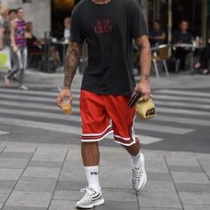 """1,219 Likes, 8 Comments - Streetwear Daily (@streetweardaily) on Instagram: """"@philippegazarstyle Tee - #hm Shorts - #chicagobulls Socks - #fila Sneakers - #yeezy"""""""