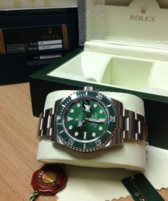 Rolex Submariner Date 116610LV Green Ceramic - 2012 - Box & Paperwork -
