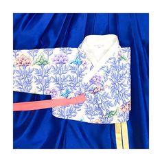 5월 봄날의 여행을 위한 오늘의 한복 #금의재 제품문의는 카카오톡 ID -금의재 or DM
