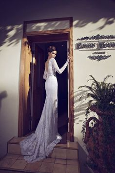 Sexy and Glamorous Riki Dalal Wedding Dresses. http://www.modwedding.com/2014/02/07/sexy-glamorous-riki-dalal-wedding-dresses/ #wedding #weddings #fashion