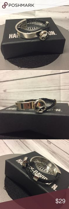 """Harley-Davidson® WILLIE G Bracelet Super cute bracelet with half leather and half stainless steel cuff with stainless steel WILLIE G medallion. Sizes: XS/S = 7"""" measured end to end (VERY SMALL), M/L = 8"""" measured end to end. Harley-Davidson Jewelry Bracelets"""