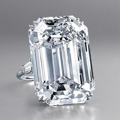 HARRY WINSTON: Le Bague Lesotho, 71.73 carats (via Vogue Paris)