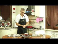 31 - La Crostata di marmellate miste fatta in padella da Dario con il Coperchio magico - YouTube