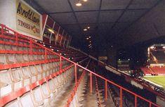 http://www.eurostadiums.com/images/stadium/prBramallLane_1.jpg