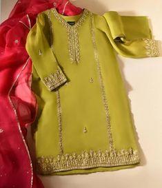 New Dress For Girl, Latest Dress For Girls, Kids Dress Wear, Fancy Dress For Kids, Stylish Dresses For Girls, Party Wear Dresses, Girls Dresses, Simple Pakistani Dresses, Pakistani Dress Design