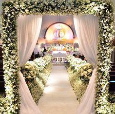 20 awesome indoor wedding ceremony dcoration ideas fairytale white junglespirit Choice Image