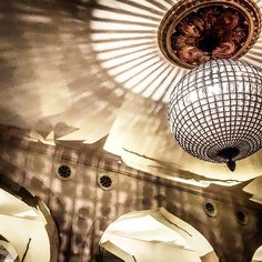 magribhian #terminus #olten #restaurant #magrebi #light #shadow #dinner #friend Restaurant, Ceiling Lights, Dinner, Home Decor, Lucerne, Dining, Decoration Home, Room Decor, Food Dinners