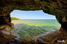 """Tropical Michigan"" Lake Superior Caves."
