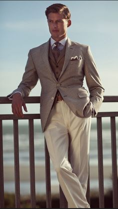 Menswear Crush: Hackett London S/S 2011 Gentleman Mode, Gentleman Style, Sharp Dressed Man, Well Dressed Men, Moda Formal, Moda Do Momento, Look 2015, Herren Outfit, Suit And Tie