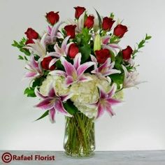 Romantic floral arrangement to make someone special's day more beautiful! This fragrant & classic floral design is available for same day delivery in Marin