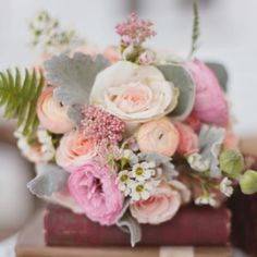 A charming Southern style wedding inspiration shoot with soft  romantic details from Sweet Peach Photography!
