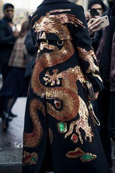 NYLON · Paris Fashion Week Street Style Day Print Perfect Source by carlaroyder fashion dresses Fashion Line, Fashion Details, High Fashion, Fashion Beauty, Fashion Show, Womens Fashion, Fashion Design, Mode Outfits, Fashion Outfits