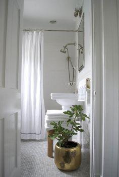 A Sunny, Comfy DC Home on Design*Sponge | Washingtonian
