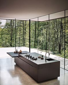 """Gefällt 23.2 Tsd. Mal, 118 Kommentare - Architecture & Design Magazine (@d.signers) auf Instagram: """"Maxima 2.2 Oak kitchen with island design by R&D Cesar Arredamenti. _______ #kitchen #green #glass…"""""""