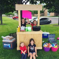 Since when is Lemonade not cool enough for kids to sell?  My kids and their friends are going head to head against the big boys today with hot dog combo meals.  At least they are finally using the Lemonade stand I built them. #winning #littleentrepreneurs . . . #lemonadestand #kids #makingmoney #woodwork #palletwood #diy #wood #wooden #create #maker #makersmovemnt #makersgonnamake #custom #hotdogstand #mapletonutah #utah #naturalwood #lovewhatyoudo #doityourself #handmade #kids #custombuilt…