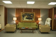Roger Sterlings Couch (Mad Men)