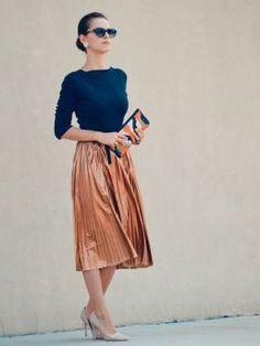"I want pretty: Look- Cómo usar vestidos y faldas ""MIDI""/ How to use midi skirts and dresses! Fashion Mode, Modest Fashion, Look Fashion, Womens Fashion, Fashion Trends, Classy Fashion, 2000s Fashion, Fashion Tips, Dress Fashion"