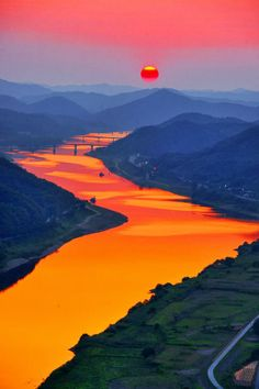 Sunset in Bridge, Korea | Interesting Shots