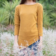 Perfect for those rainy days. Slip into this comfortable assymetrical shirt perfect to wear with those skinny jeans or tights. Loreal, Colorful Shirts, Tights, Skinny Jeans, Pullover, Knitting, Sleeves, Sweaters, How To Wear