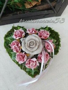Grave Decorations, Gras, Autumn, Fall, Hearts, Floral, Crowns, Christmas Diy, Growing Roses