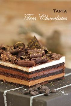 Looking for a great dessert for completing your meals at home? This is quick and simple best three chocolate cake recipes ready to serve you at home. Choco Chocolate, Best Chocolate Cake, Chocolate Desserts, Bolo Original, Nougat Recipe, Tres Chocolates, Delicious Desserts, Dessert Recipes, Gourmet Desserts