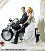 Casais cinéfilos, viajados, nerds ou clássicos: há topos de bolos de todos os estilos para contar a sua história!  www.noivinhostopodebolo.com