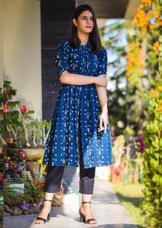 Buy Off White Straight Kurta and Pants Online - Women Clothing Online Shopping Casual Indian Fashion, Indian Fashion Dresses, Dress Indian Style, Indian Designer Outfits, Girls Fashion Clothes, Clothes For Women, Style Fashion, Simple Kurta Designs, Kurta Designs Women