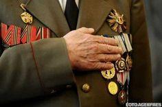 Guvernul a stabilit suma minimă cu care vor fi despăgubiti veteranii de război care din cauza deficitului de terenuri în localitătile de domiciliu nu au putut fi împroprietăriti Mars, Cufflinks, Accessories, March, Mars Symbol, Ornament