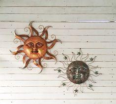 ****** Listing for 1 Sun Wall Decor Copper Style Or Patina Dark Bronze Metallic Sun Wall Décor ----------------------------------------------------------------- Measurements : Copper Sun 30 Diameter Patina / Dark Bronze Metallic Sun 26 Diameter Metal Sun Wall Art, Metal Art Decor, Metal Walls, Sun Pics, Pictures Of The Sun, Sun Wall Decor, Nautical Wall Art, Texas Star, Sun Shine