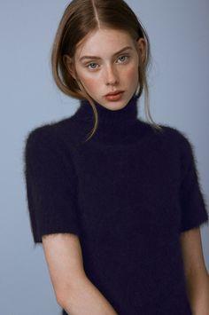 Picture of Lauren de Graaf Vogue Uk, Pretty People, Beautiful People, Photographie Portrait Inspiration, Pretty Eyes, Aesthetic Girl, Pretty Woman, Portrait Photography, Blonde Photography