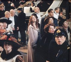Titanic - Publicity still of Kate Winslet, Frances Fisher, Billy Zane & Kathy Bates. Real Titanic, Titanic Movie, Movie Tv, Titanic Wreck, Titanic Photos, 90s Movies, Titanic Behind The Scenes, Kate Winslet And Leonardo, Leo And Kate