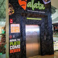 Ascensor publicitario para restaurante en centro comercial