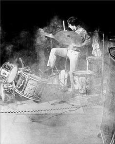 Drummer Keith moon from the who destroys drum kit. Rock and Roll. (I wonder if the band brought dust). Keith Moon, Music Pics, Music Stuff, Music Things, Music Artwork, Rock Roll, Blue Soul, 60s Rock, Pictures Of Lily