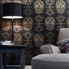 When tradition meets traditional: Day of the Dead Sugar Skull Wallpaper. Fun.
