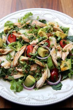 Chicken and vegetable salad with balsamic cilantro dressing.mixed greens, avocado, tomato, cucumber, onions and balsamic cilantro dressing - a great way to use chicken leftovers for a delicious lunch salad. Healthy Dinner Ideas for Delicious Night & Get A Homemade Chicken Salads, Chicken Recipes, Clean Eating, Healthy Eating, Cilantro Dressing, Good Food, Yummy Food, Cooking Recipes, Healthy Recipes