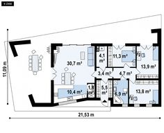 Nowoczesny, parterowy dom z płaskim dachem, którego prosta, surowa stylistyka przykuje uwagę niejednego wytrawnego inwestora. Rzut z góry o kształcie ściętego romba nadaje budynkowi oryginalnego wyglądu.