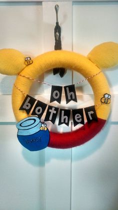 Winnie the Pooh Wreath by ZigAndDot on Etsy the pooh babyshower Baby Shower Snacks, Baby Shower Drinks, Baby Shower Desserts, Baby Shower Brunch, Baby Shower Fall, Baby Shower Cookies, Baby Shower Themes, Baby Boy Shower, Baby Shower Decorations