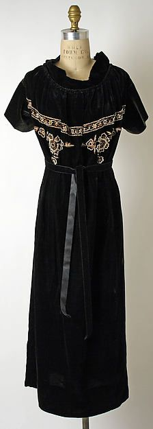 Dress Design House: Callot Soeurs  Date: ca. 1922 Culture: French Accession Number: 1973.104.3a, b