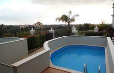 Exceptional T3 townhouse, plunge pool, at The Crest, Loulé, Almancil, in Algarve.