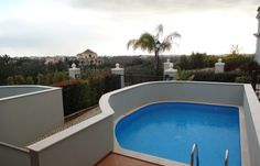 Exceptional T3 townhouse, plunge pool, at The Crest, Loulé, Almancil, in Algarve.
