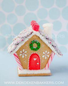 Gingerbread Cookie Cottage // De Koekenbakkers