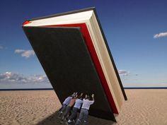Cien libros para ordenar el caos. Expertos de 14 países preparan una lista antes de la entronización del libro digital: un canon de la literatura occidental para las bibliotecas familiares