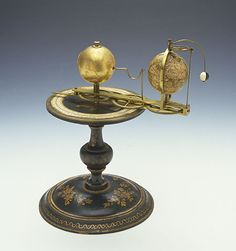 Charles-François Delamarche (attr.) (1740-1817) Tellurium, ca. 1800 Florence, Istituto e Museo di Storia della Scienza, inv. CSBASF04  This device shows the Earth's movement around the Sun and the Moon's movement around the Earth, albeit in a simplified form and not to scale.